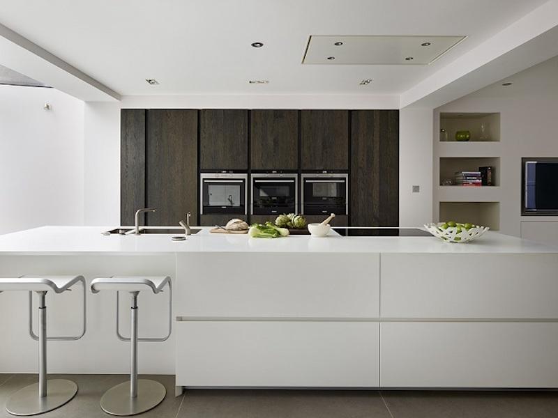 Mặt bếp bằng đá nhân tạo có kiểu dáng và màu sắc sang trọng