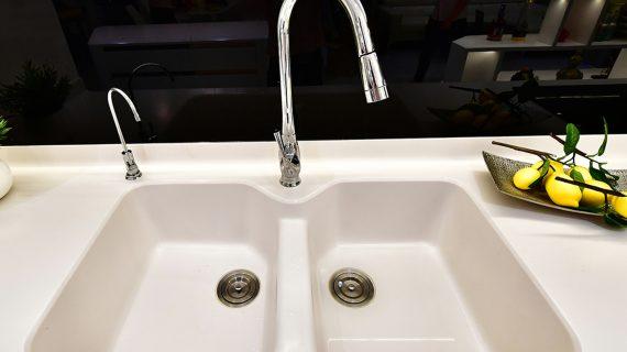 Dùng chậu rửa bằng đá nhân tạo Solid Surface có tốt không?