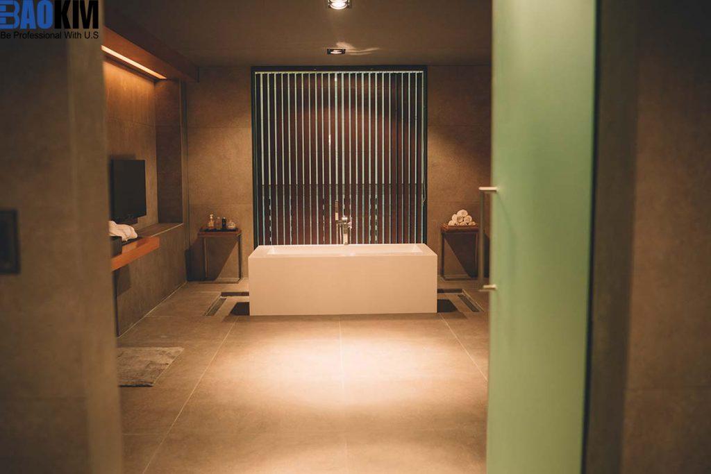 Vì sao cần chọn kích thước bồn tắm phù hợp với không gian?